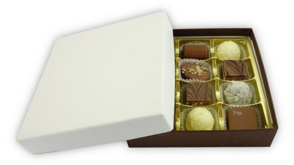 Weisse Schachtel mit Deckel in Lederoptik