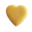 Himbeer-Herz-Praline aus weißer Schokolade mit Himbeer-Füllung